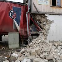 02.12.2014 LKW-in-Haus-Totalschaden-Fahrer-tot-Feuerwehr-Polizei- Rettungsdienst-Halblech-Vollsperrung-Bringezu-New-facts (25)