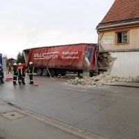 02.12.2014 LKW-in-Haus-Totalschaden-Fahrer-tot-Feuerwehr-Polizei- Rettungsdienst-Halblech-Vollsperrung-Bringezu-New-facts (68)