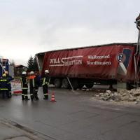 02.12.2014 LKW-in-Haus-Totalschaden-Fahrer-tot-Feuerwehr-Polizei- Rettungsdienst-Halblech-Vollsperrung-Bringezu-New-facts (69)