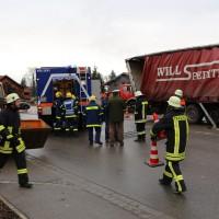 02.12.2014 LKW-in-Haus-Totalschaden-Fahrer-tot-Feuerwehr-Polizei- Rettungsdienst-Halblech-Vollsperrung-Bringezu-New-facts (71)