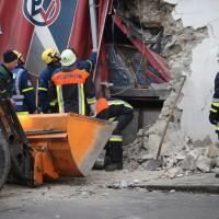 02.12.2014 LKW-in-Haus-Totalschaden-Fahrer-tot-Feuerwehr-Polizei- Rettungsdienst-Halblech-Vollsperrung-Bringezu-New-facts-Unfall (3)