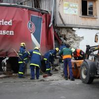 02.12.2014 LKW-in-Haus-Totalschaden-Fahrer-tot-Feuerwehr-Polizei- Rettungsdienst-Halblech-Vollsperrung-Bringezu-New-facts-Unfall (4)