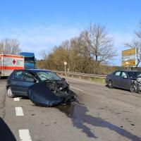 12.12.2014-Geisenried-B16-B12-Unfall-Totalschaden-Vollsperrung-schwer-verletzt-Rettungshubschrauber-Polizei-Rettungsdienst-Bringezu-New-facts (32)