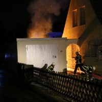 21-12-2014-memmingen-brand-garage-feuerwehr-poeppel-new-facts-eu0013