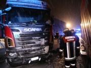 30-12-14-A7-Altenstadt-Lkw-Unfall-Schnee-Feuerwehr-Stau-poeppel-new-facts-eu0012