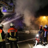 07-01-15_BY-Lautrach-Unterallgaeu_Brand-Stadel_Feuerwehr_Poeppel-new-facts-eu0001