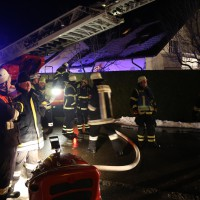 07-01-15_BY-Lautrach-Unterallgaeu_Brand-Stadel_Feuerwehr_Poeppel-new-facts-eu0014