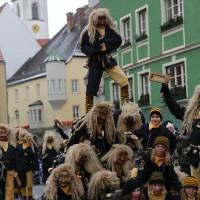 18-01-15_Memmingen_Narrensprung_Fasnet_Fasching_Nachtumzug_Stadtbachhexen_Poeppel_new-facts-eu0048
