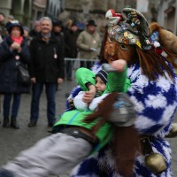18-01-15_Memmingen_Narrensprung_Fasnet_Fasching_Nachtumzug_Stadtbachhexen_Poeppel_new-facts-eu0056