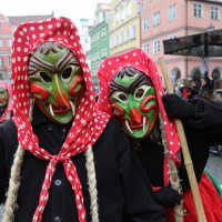 18-01-15_Memmingen_Narrensprung_Fasnet_Fasching_Nachtumzug_Stadtbachhexen_Poeppel_new-facts-eu0318