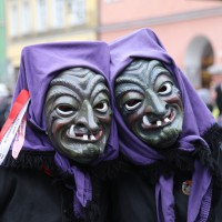 18-01-15_Memmingen_Narrensprung_Fasnet_Fasching_Nachtumzug_Stadtbachhexen_Poeppel_new-facts-eu0350