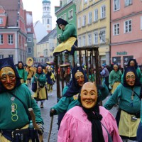 18-01-15_Memmingen_Narrensprung_Fasnet_Fasching_Nachtumzug_Stadtbachhexen_Poeppel_new-facts-eu0382