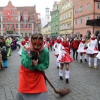 18-01-15_Memmingen_Narrensprung_Fasnet_Fasching_Nachtumzug_Stadtbachhexen_Poeppel_new-facts-eu0433