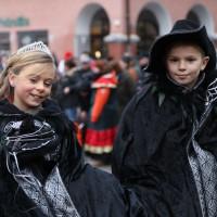 18-01-15_Memmingen_Narrensprung_Fasnet_Fasching_Nachtumzug_Stadtbachhexen_Poeppel_new-facts-eu0509
