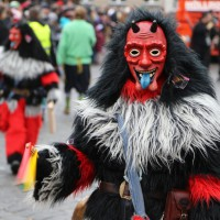 18-01-15_Memmingen_Narrensprung_Fasnet_Fasching_Nachtumzug_Stadtbachhexen_Poeppel_new-facts-eu0511