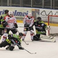 01-02-2015_Eishockey_Memmingen_Indians-ECDC_ Hoechstadt_match_Fuchs_new-facts-eu0043
