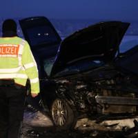 13-02-15_BW_Erolzheim_Kirchdorf_Unfall_Traktor_Pkw_Feuerwehr_Poeppel_new-facts-eu0015