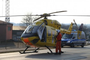 B312-Erlenmoos - Schwerer  Verkehrsunfall mit eingeklemmter Person