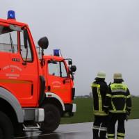 02-04-15_BY_Memmingen-Steinheim_Windboe_Lkw_Feuerwehr-Sperrung_Poeppel_new-facts-eu0013