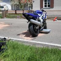 10.05.2015-Ostallgäu-Kaltental-Helmishofen-ST2035-Motorrad-19 jährige-Mauer-ohne Helm-lebensgefährlich-verletzt-Rettungswagen-Rettungshubschrauber-Notarzt-Murnau-Bringezu-Thorsten (12)