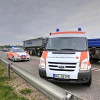 26.05.2015-Jengen-B12-Ostallgäu-Unfall-Gas und Bremse verwechselt-Verletzte-Krankentransportwagen-Rettungswagen-Bringezu-Polizei-Auffahrunfall (14)
