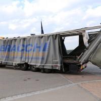 29.05.2015-Biessenhofen-Ostallgäu-LKW_Unterführung-Auflieger zerstört-Bringezu-new-facts.eu-Massiver Schaden (7)