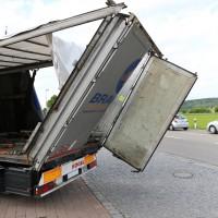 29.05.2015-Biessenhofen-Ostallgäu-LKW_Unterführung-Auflieger zerstört-Bringezu-new-facts.eu-Massiver Schaden (8)