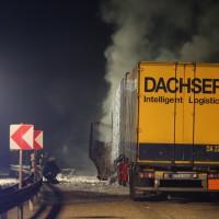 A8 Drackenstein Gefahrgut LKW in Brand