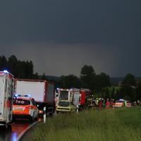 12-06-15_BY_Unterallgaeu_Ottobeuren_Guggenberg_Unfall_Feuerwehr_Poeppel_new-facts-eu0001
