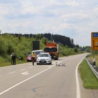 25-06-15_BY_Unterallgaeu_B18_Erkheim_Fahrradfahrer_Unfall_Poeppel_new-facts-eu0016