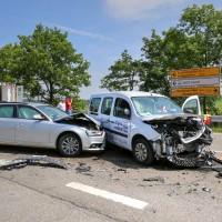 VU-B12-B472-Aschnlussstelle Geisenried-Bringezu-new-facts.eu-schwer verletzt-Vollsperrung-Rettungsdienst-Frontalzusammenstoss-beim-abbiegen (5)_tonemapped
