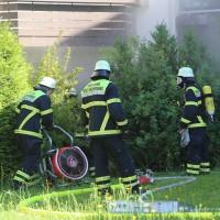 01-07-15_BY-Memmingen_Brand_Wohnung_Huehnerberg-Feuerwehr_Poeppel_new-facts-eu0013