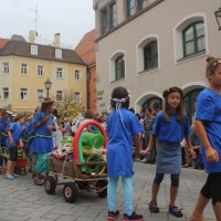 23-07-2015_Memminger-Kinderfest-2015_Umzug_Kuehnl_new-facts-eu0097