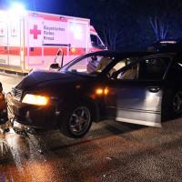 Altdorf-B12-Frontalzusammenstoß-fünf-Verletzte-Ostallgäu-Bringezu-Totalschaden-Feuerwehr-Rettungsdienst-Notarzt-11.07 (1)