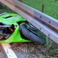 Kaufbeuren-Oberbeuren-ST2055-Unfall-Motorrad-gesperrt-Fahrer-verletzt-Ostalgäu-24.07.2015-new-facts (8)