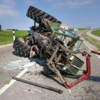 Unfall-St2008-Seeg-Legenwang-PKW-gegen-Traktor-4-Verletzte- Ostallgäu-Bringezu-Rettungshubschrauber (10)_tonemapped
