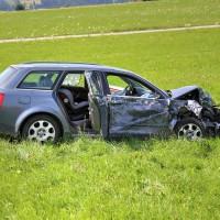 Unfall-St2008-Seeg-Legenwang-PKW-gegen-Traktor-4-Verletzte- Ostallgäu-Bringezu-Rettungshubschrauber (49)_tonemapped