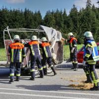 B12-Geisenried-28.09.2015-Viehhänger-Unfall-Teilsperrung-Tiere-verletzt-Feuerwehr Geisenried-Polizei-Bringezu-new-facts (14)