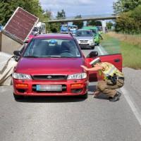B12-Geisenried-28.09.2015-Viehhänger-Unfall-Teilsperrung-Tiere-verletzt-Feuerwehr Geisenried-Polizei-Bringezu-new-facts (2)