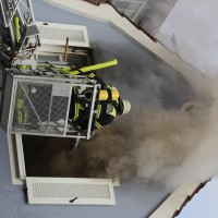 21-10-2015_Memmingen_Zimmerbrand_Theaterplatz_Feuerwehr_Poeppel_new-facts-eu011