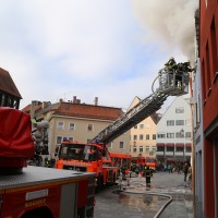21-10-2015_Memmingen_Zimmerbrand_Theaterplatz_Feuerwehr_Poeppel_new-facts-eu019