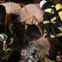 25-10-2015_Memmingen_Container-Brand_Feuerwehr_Poeppel_new-facts-eu0013