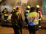 01-11-2015_Neu-Ulm_Kellmuenz_Filzingen_Brand-Holzverarbeitungsbetrieb_Feuerwehr_new-facts-eu0035