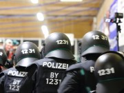 06-11-2015_Memmingen_Eishockey_Randale_Indians_ECDC_Hoechstadt_Polizei_Fuchs_new-facts-eu0070