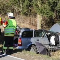 14-12-2015_Biberach_eichbuehl_Rot_toedlicher_Unfall_Feuerwehr_Poeppel_new-facts-eu0001