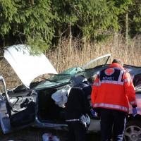 14-12-2015_Biberach_eichbuehl_Rot_toedlicher_Unfall_Feuerwehr_Poeppel_new-facts-eu0008