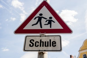 """Verkehrsschild """"Vorsicht, Schler!"""""""