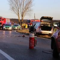 22-02-2016_B300_Unterallgaeu_Babenhausen_Unfall_Feuerwehr_Poeppel_new-facts-eu_mm-zeitung-online021
