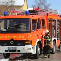 26-02-2016_BY_Memmingen, Wohnungsbrand_Mehrfamilienhaus-Feuerwehr_Polizei_Festnahme_Poeppell_new-facts-eu017