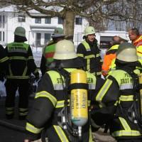 26-02-2016_BY_Memmingen, Wohnungsbrand_Mehrfamilienhaus-Feuerwehr_Polizei_Festnahme_Poeppell_new-facts-eu020